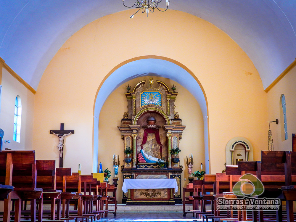 Iglesia Nuestra Señora del Tránsito en Sierra de la Ventana y Villa Ventana